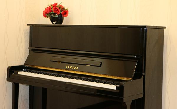 Đàn piano Yamaha là thương hiệu đảm bảo ổn định và thích nghi tốt với thời tiết nước ta