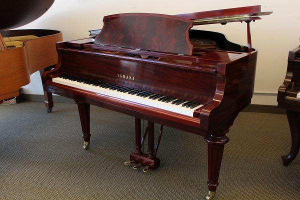 Đàn piano Yamaha có giá cả tương đối thấp