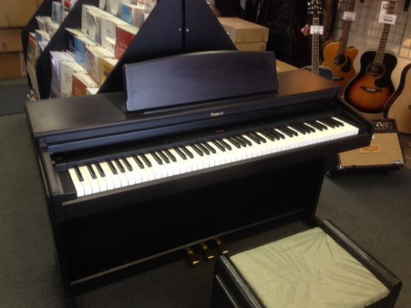 Đàn piano điện Roland với hệ thống âm thanh trung thực