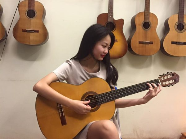 Đàn guitar chất lượng với giá rẻ dao động từ 1 – 4 triệu đồng