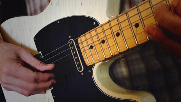 Bạn không nên chọn những cây đàn Guitar Acoustic quá rẻ