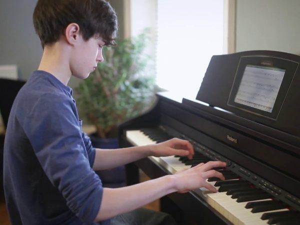 Tìm hiểu nhiều phong cách âm nhạc sẽ giúp nâng cao kỹ năng chơi đàn piano