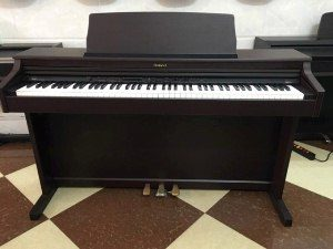 Piano điện ROLAND HP 203