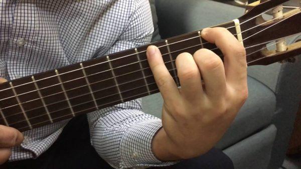 Cách đánh đàn guitar không đau tay chỉ áp dụng thời gian đầu luyện tập