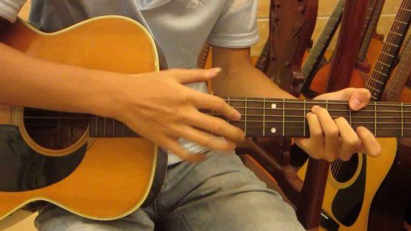 Đọc tên các dây trên đàn guitar thường xuyên