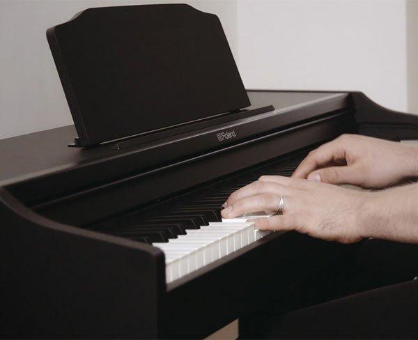 Roland là thương hiệu đàn piano điện có chất lượng âm thanh tốt nhất hiện nay