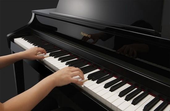 Chúng ta cần phải tìm kiến được giai điệu và hòa âm khi tập đánh đàn Piano