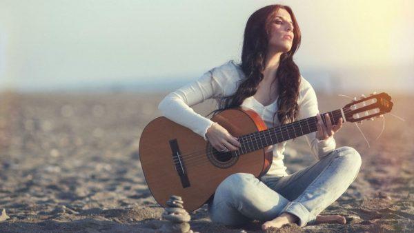 Bạn cần phải luyện tập thường xuyên để học guitar nhanh tiến bộ