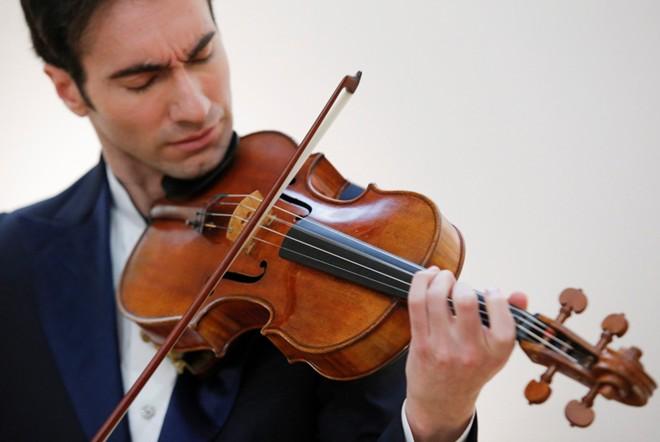 hoc dan violin tai nha - Cách học đàn violin qua mạng hiệu quả