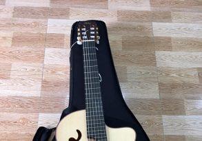 Guitar classic Manuel Rodriguez B cutaway